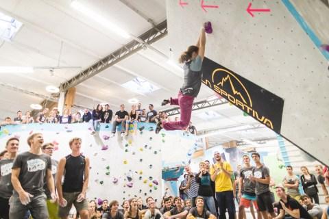 Teresa beim High Jump bei den Soulmoves Sued