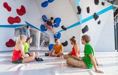Boulderwelt München Ost 2.0 Creative Lab Boulderwand