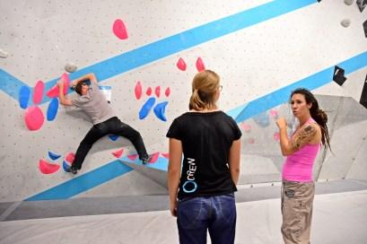 Bei der Tech Session in der Boulderwelt München Ost betreuten Routenbau und Trainer Crew Euch an verschiedenen Technik Stationen.