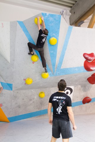 2016-boulderwelt-regensburg-event-spasswettkampf-soulmoves-sued-9-bouldern-klettern-1469