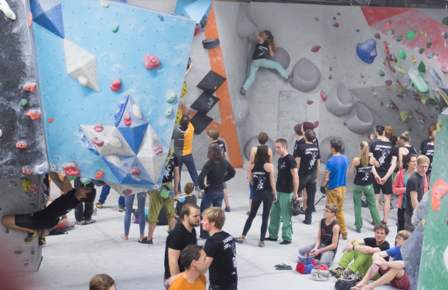 2016-boulderwelt-regensburg-event-spasswettkampf-soulmoves-sued-9-bouldern-klettern-1542