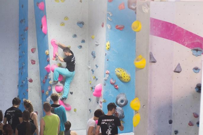 2016-boulderwelt-regensburg-event-spasswettkampf-soulmoves-sued-9-bouldern-klettern-1546