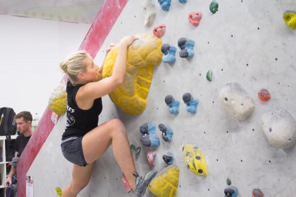 2016-boulderwelt-regensburg-event-spasswettkampf-soulmoves-sued-9-bouldern-klettern-1635