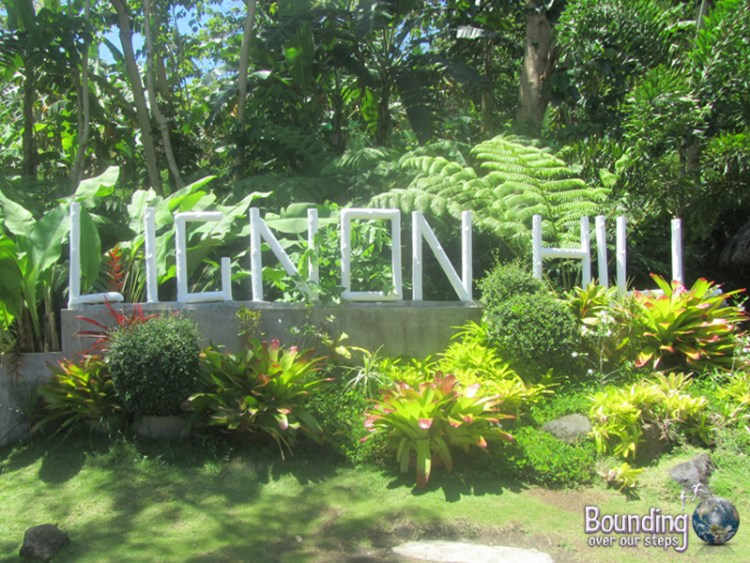 The welcome sign to Lingon Hill in Legazpi