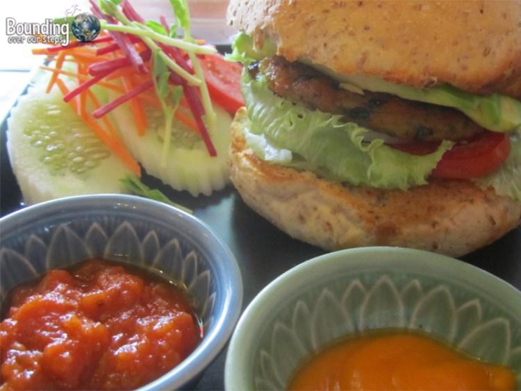 Juicy 4 U - Veggie Burger