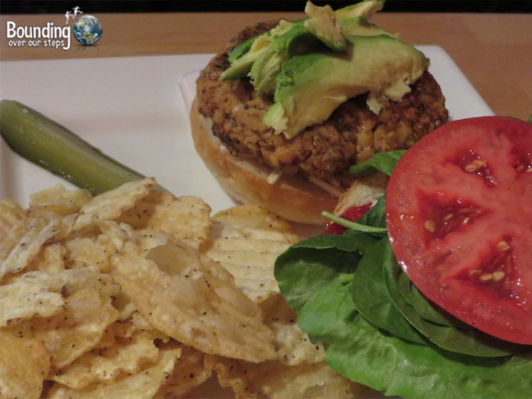 Cafe Pyrus - Veggie Burger