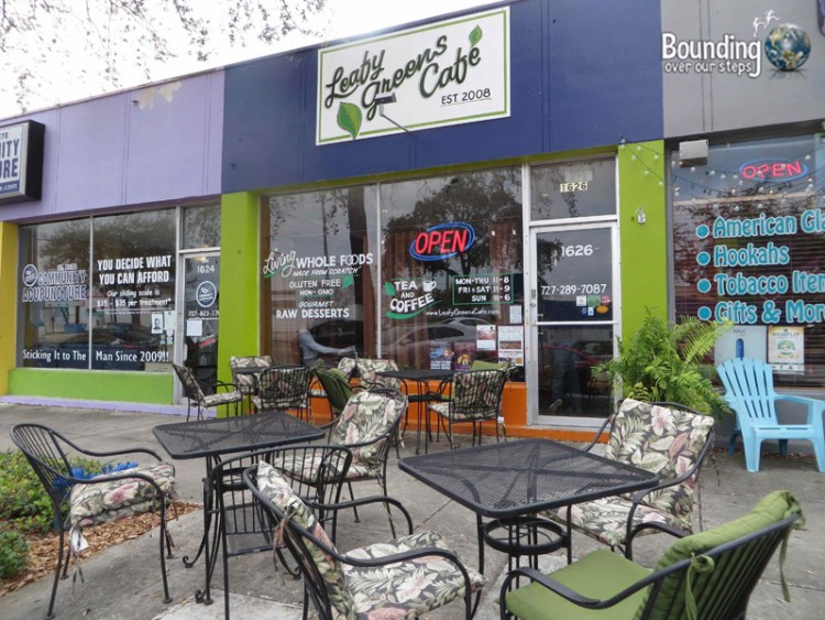 Leafy Greens Cafe - Raw Vegan - Patio