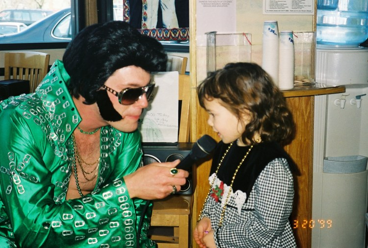 Sarina Farb meeting Elvis