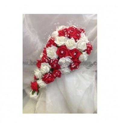 Bouquet Marie Tombant Thme Basque Avec De Belles Roses