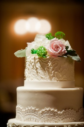 A simple embellishment was all this gorgeous cake needed.