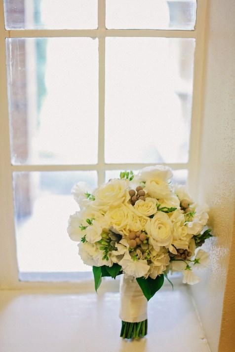 White winter bride's bouquet