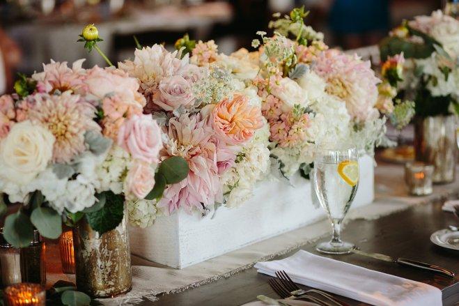 Wooden box of flowers, cafe au laitt dahlia and juliette garden roses.