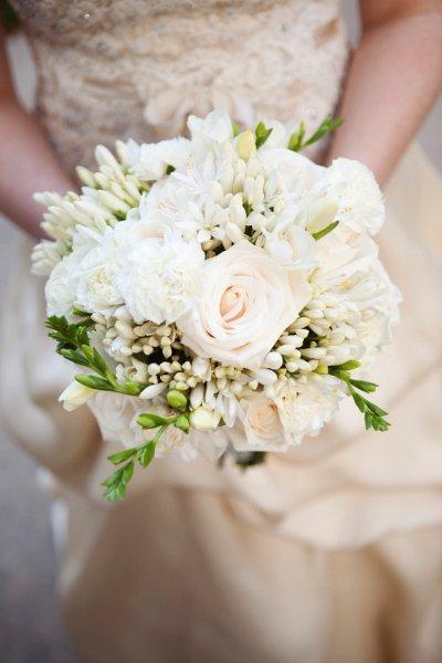Lovely In White Bouquet Wedding Flower