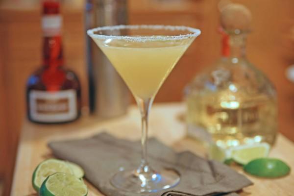 Classic Margarita Cocktail | BourbonAndHoney.com