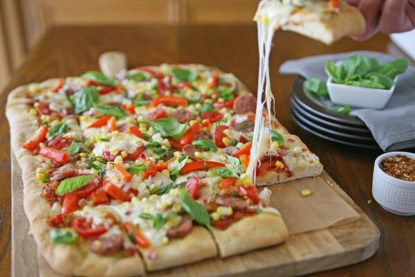 Farmers Market Pizza | BourbonAndHoney.com