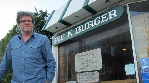 George Motz visits Pie 'N Burger in Pasadena, CA
