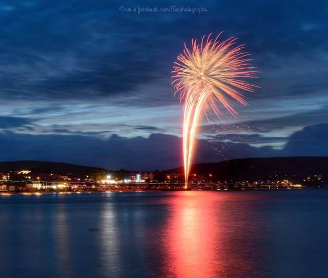 Echo Camera Club Picture Fireworks Over Swanage By Tracey Ann Smith
