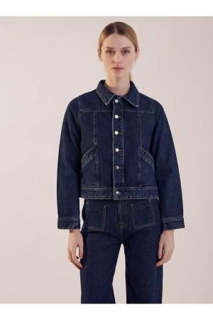 Incontournable veste jean, poches plaquées