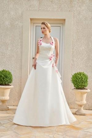 robe de mariée collection annie couture en satin avec détails fleuris coloré