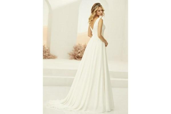 robe de mariée en mousseline style bohème champètre, bustier col V en dentelle décolleté dos