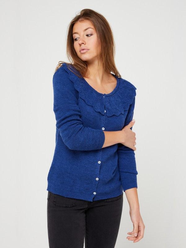 photo gilet c'est beau la vie fait en france tricot bleu avec col claudine