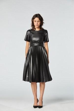 robe coupe midi plissée soleil en similicuir