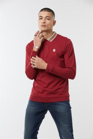 photo polo uni coloris rouge col opposition