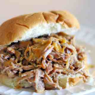 Easy Crockpot Pulled Pork Sandwiches