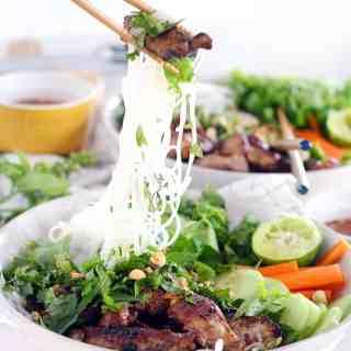 Easy Vietnamese Pork Bun Bowls