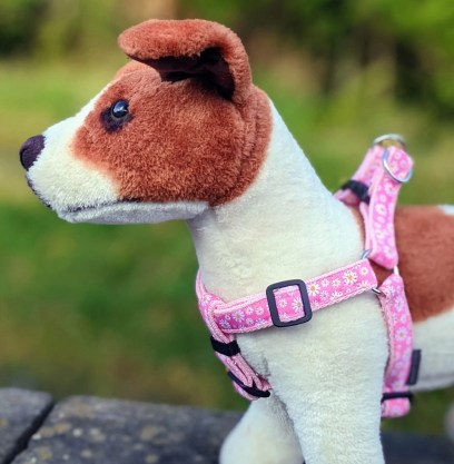 doggy chic daisy step in dog harness in pink