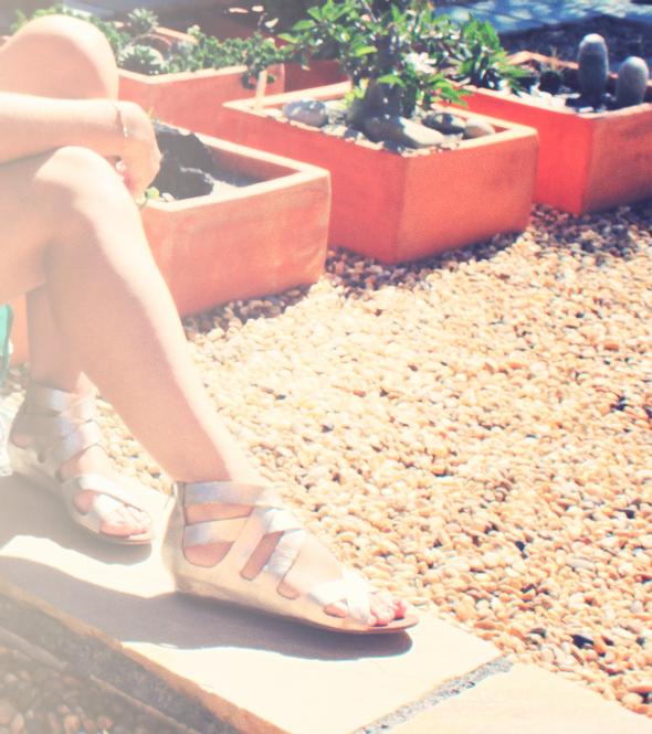Zara flower skirt jupe fleurs soie dolce vita silver shoes chaussures sandales wedges