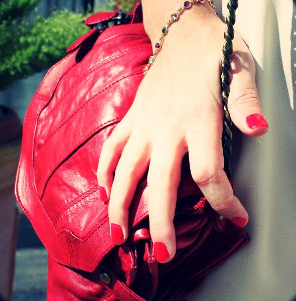 sac en cuir rouge