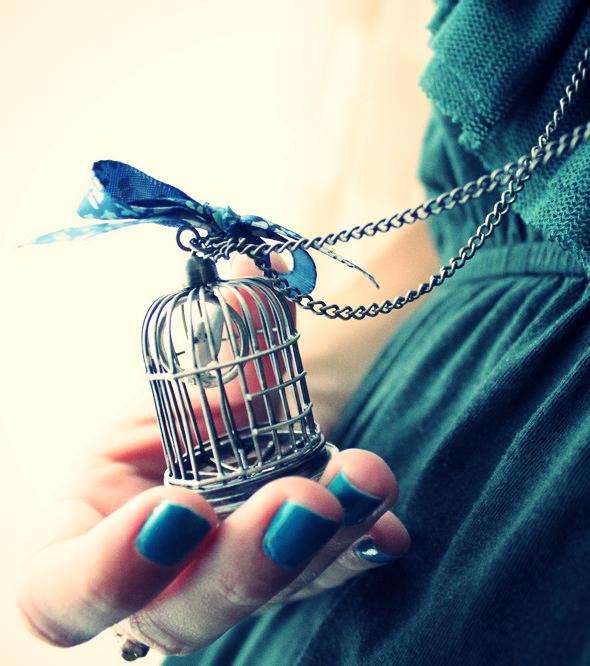 robe verte mango volants collier cage oiseau