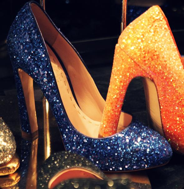 glitters