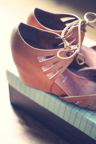 jeffrey campbell compensees camel