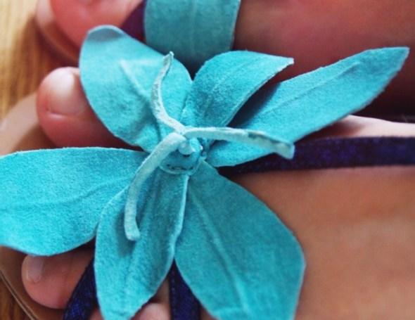 sandales à fleurs lollipops