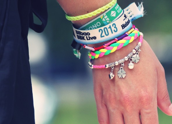 bracelets pulseras festivals europe_effected