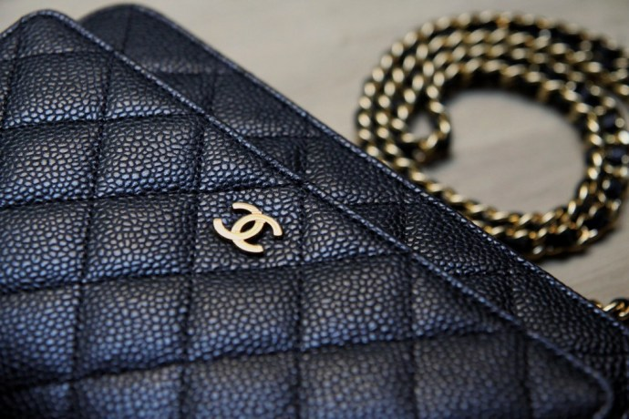 woc_chanel_paris_wallet_on_a_chain_luxury_luxe_bag_sac_caviar_cuir_leather_black_gold_or_chaine_4_effected