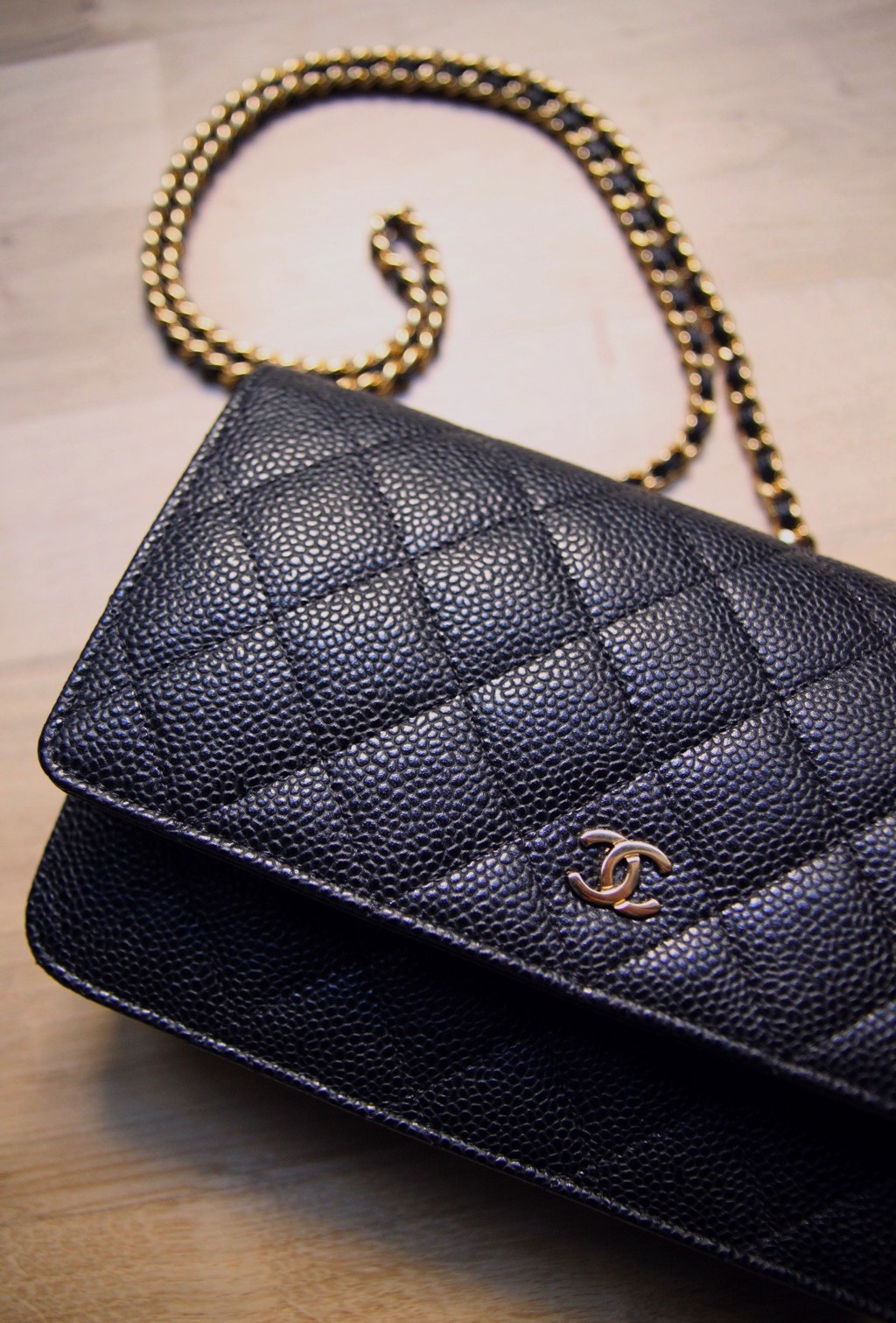 6ce93c293211e5 CHANEL Wallet on Chain (WOC) : My Honest Review ! – Bowsome