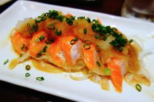 Hokkaido_sapporo_sashimi_salmon_plate_vegetables_set