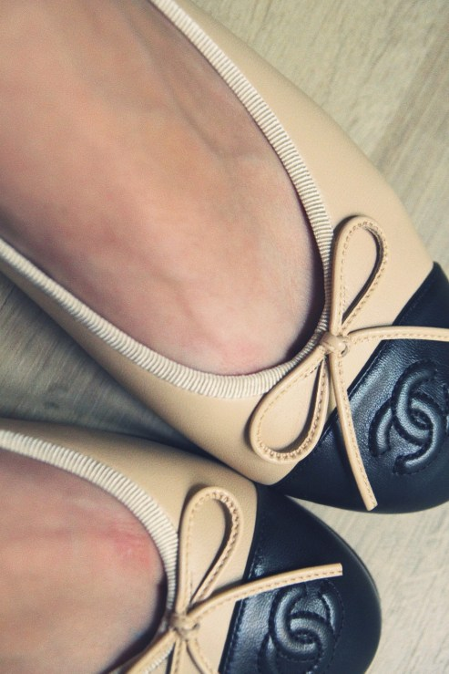 ballerines_ballerinas_flats_chanel_beige_black_noir_negro_leather_piel_cuir_shoes_chaussures_up_effected