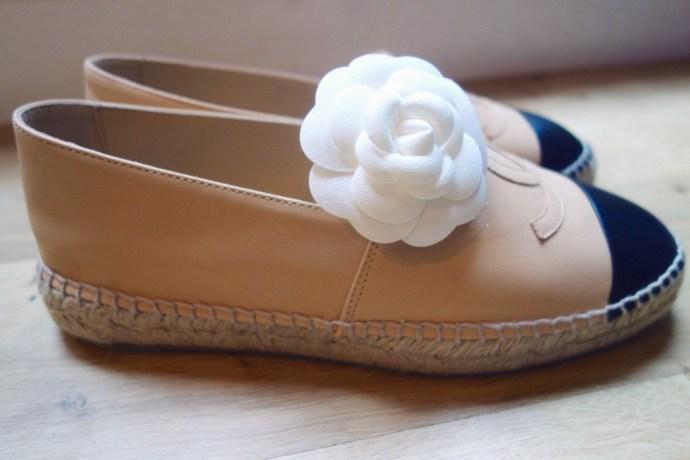 Chaussures Chanel beige noir