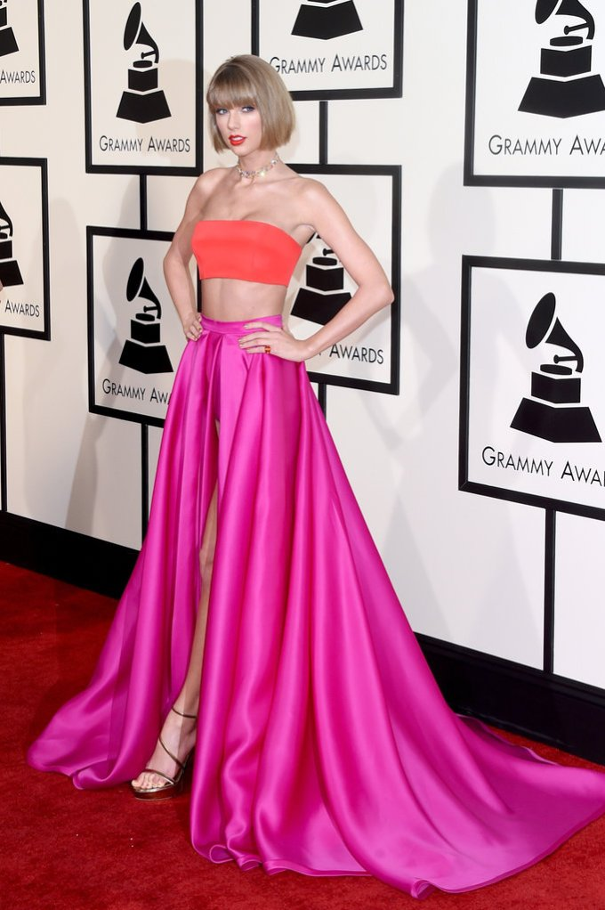 Bowtiful Life NYTimes Grammys Taylor Swift in Versace Atelier