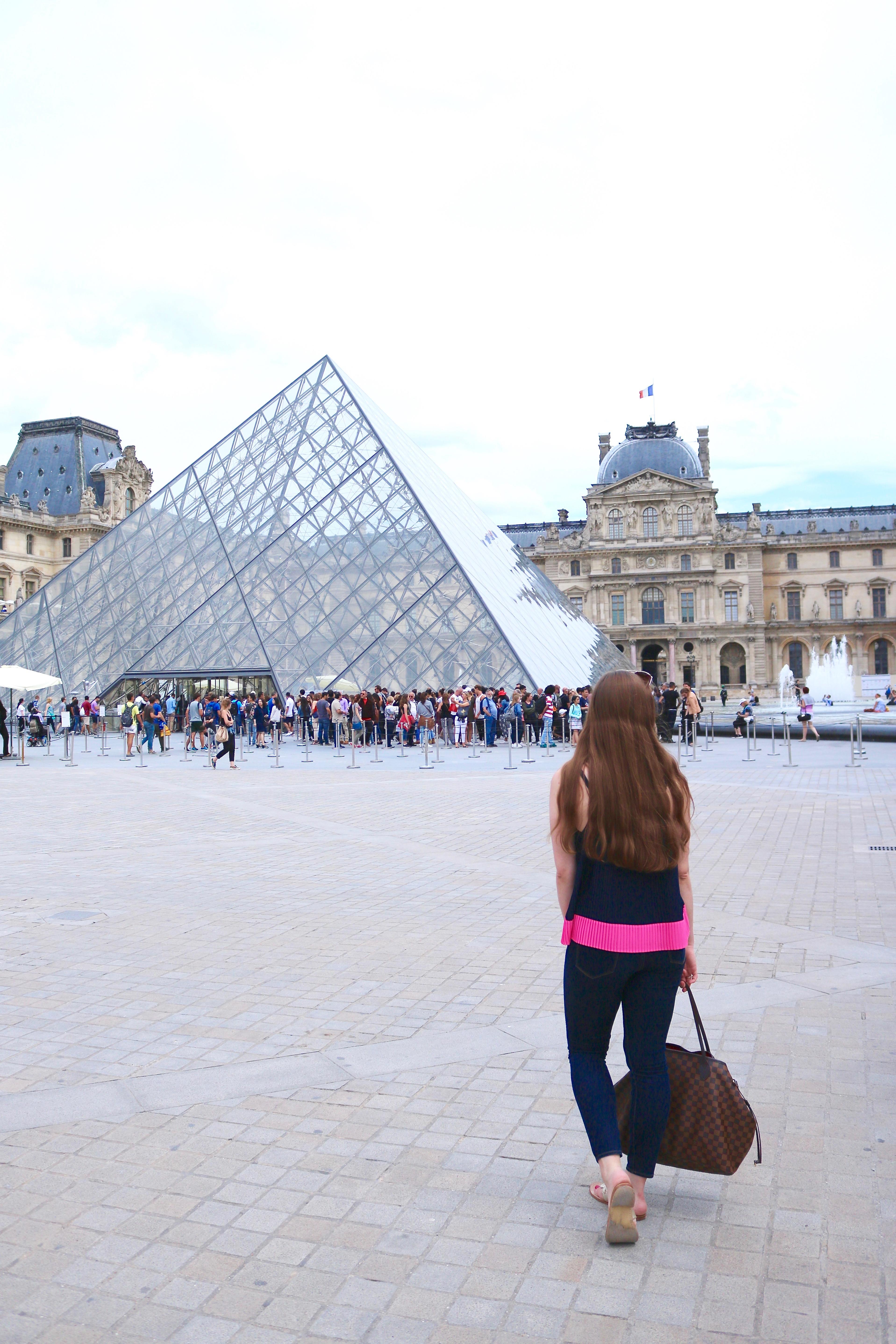 Louvre Paris Outfit   www.bowtifullife.com 6