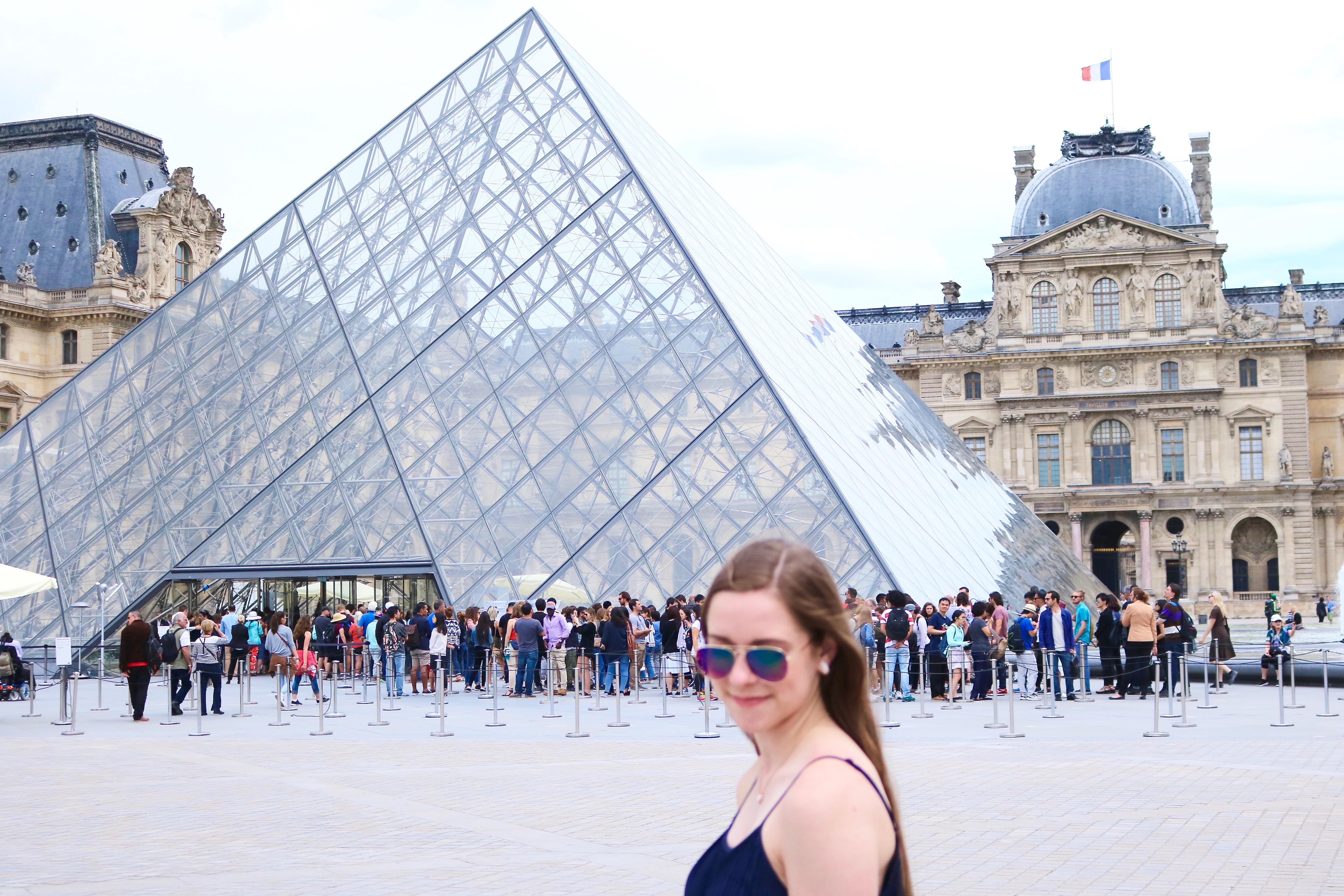 Louvre Paris Outfit   www.bowtifullife.com 7