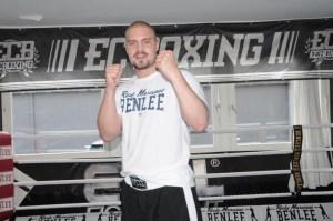 Schwergewichtler Adrian Granat wieder im Training