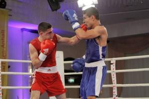 Omar El-Hag dreht auf gegen Murodjon Akhmadaliev
