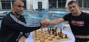 Arthur Abraham und Robert Stieglitz spielten eine Partie Schach