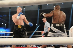 Adrian Granat gegen Michael Sprott / Foto:EC Boxing