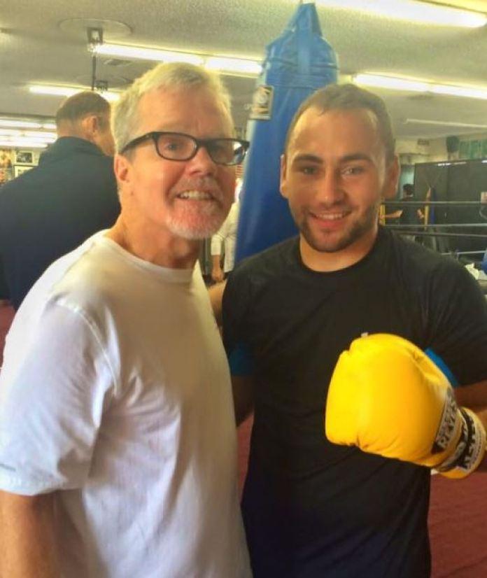 Deniz Ilbay mit Trainerlegende Freddie Roach